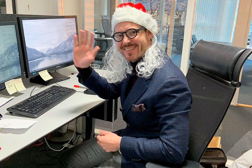 Nedenfor finner du kvasse svar fra Martin Graftås, som er spare- og investeringsøkonom i ODIN, som du kan bruke hvis noen sier du er kjip som gir fond i julegave .