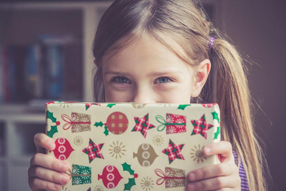 Kule voksne gir fond i julegave til kidsa fremfor ting de ikke trenger!